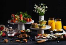 מגשי אירוח חלביים כשרים – למה משתלם להזמין אותם ואילו אירועים הם יכולים להתאים?